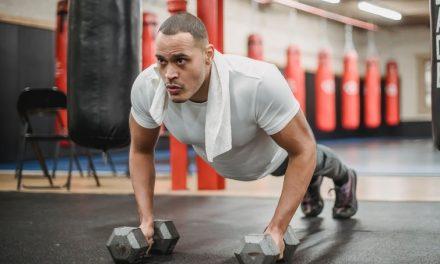 Extensión Vertical de Tríceps: 4 Variaciones para entrenar YA