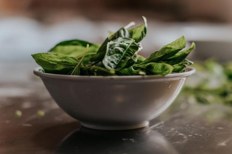 Las 5 Mejores Recetas con Espinacas Frescas de 2021